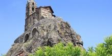 Le Rocher Saint-Michel d'Aiguilhe au Puy-en-Velay