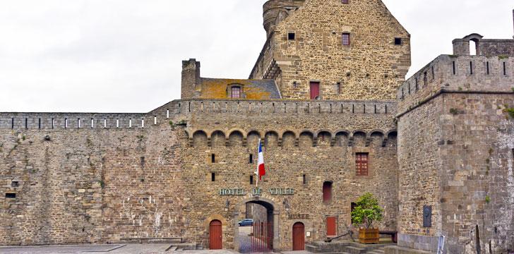 La mairie de saint malo 35418 ille et vilaine bretagne - Office de tourisme st malo telephone ...