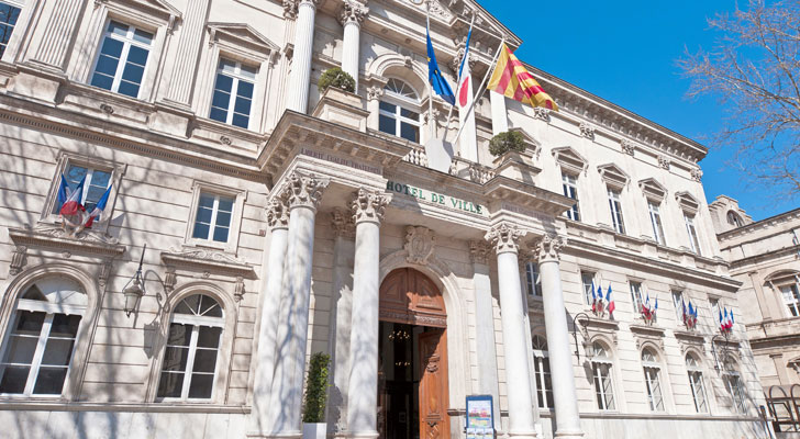 La mairie d 39 avignon 84045 vaucluse paca for Hotel avignon piscine